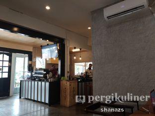 Foto 6 - Interior di Pikul Coffee & Roastery oleh Shanaz  Safira