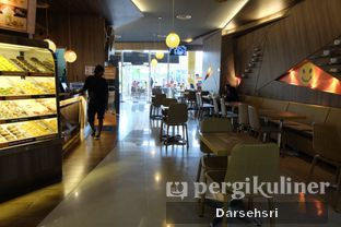 Foto 3 - Interior di Dunkin' Donuts oleh Darsehsri Handayani