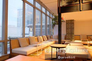 Foto 5 - Interior di Lumine Cafe oleh Darsehsri Handayani