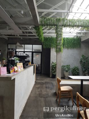 Foto 6 - Interior di Kinari Coffee Shop oleh UrsAndNic