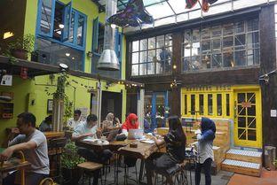 Foto 24 - Interior di Giyanti Coffee Roastery oleh yudistira ishak abrar