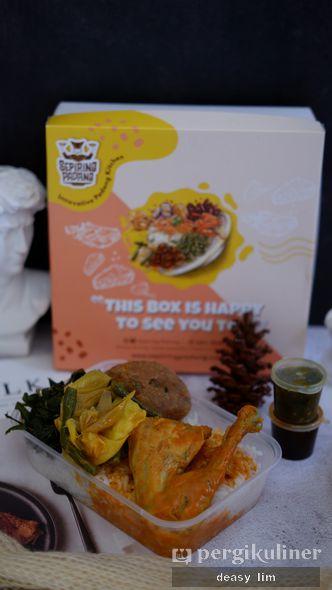 Foto Makanan di Sepiring Padang