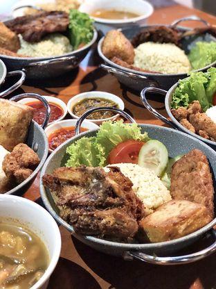 Foto review Ayam Bebek Angsa Masak Di Kuali oleh kulineran_koko 2