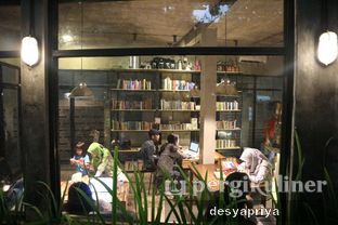 Foto 7 - Interior di Maraca Books and Coffee oleh Desy Apriya