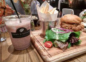 11 Tempat Makan Baru di Bandung yang Wajib Kamu Singgahi