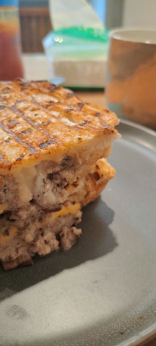 Foto review Roti Eneng oleh Joshua Theo 2