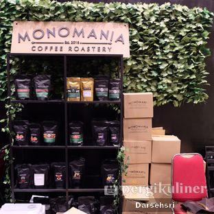Foto 4 - Interior di Monomania Coffee House oleh Darsehsri Handayani
