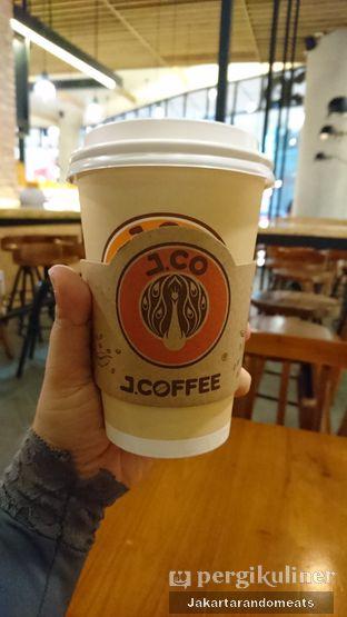 Foto review J.CO Donuts & Coffee oleh Jakartarandomeats 1