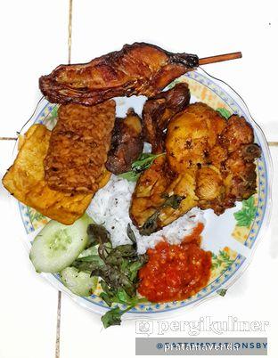 Foto 1 - Makanan di Warung Sambelan Prapatan Kenjeran oleh Venda Intan