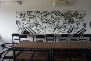 Foto 13 - Interior di Chill Bill Coffees & Platters oleh yudistira ishak abrar