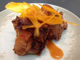 Foto 4 - Makanan di PASOLA - The Ritz Carlton Pacific Place oleh awakmutukangmakan