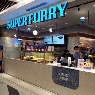 Foto 6 - Interior di Super Furry Tea & Bakery oleh felita [@duocicip]