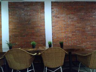 Foto 10 - Interior di The CoffeeCompanion oleh yeli nurlena