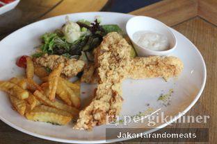 Foto 3 - Makanan(Fish N Chips) di Meirton oleh Jakartarandomeats