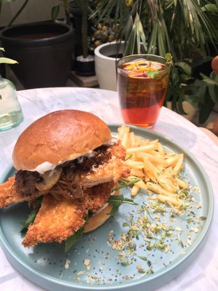 Foto 1 - Makanan di Plunge Dining & Co. oleh Li Hao Peh