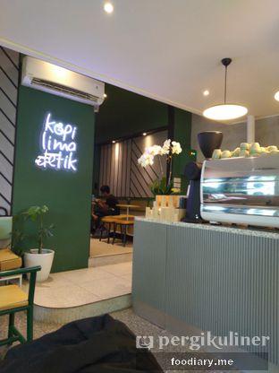 Foto 1 - Interior di Kopi Lima Detik oleh @foodiaryme | Khey & Farhan