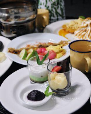 Foto review IR Resto - Gumilang Regency Hotel oleh Vina | Eat and Leisure 6