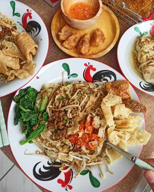 Foto 2 - Makanan di Bakmie Ahau Lanang oleh Junior