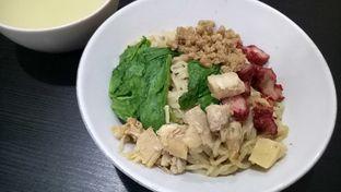 Foto 1 - Makanan(bakmi halus campur) di Bakmi Ka Heng oleh maysfood journal.blogspot.com Maygreen