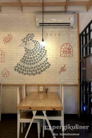 Foto 2 - Interior di Ciknic Roast Chicken oleh riamrt