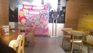Foto 5 - Interior di Bon Chon oleh irlinanindiya