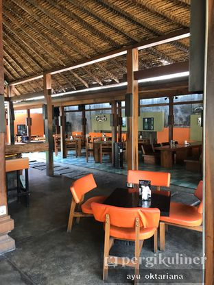 Foto 5 - Interior di Badung Cafe & Resto oleh a bogus foodie