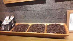 Foto 2 - Interior di Starbucks Reserve oleh Dzuhrisyah Achadiah Yuniestiaty