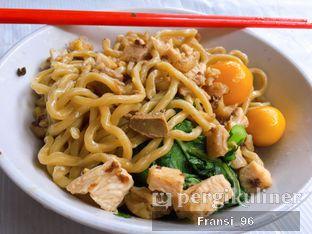 Foto 2 - Makanan di Mie Ayam Pak Timbul oleh Fransiscus
