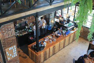 Foto 10 - Interior di Finch Coffee & Kitchen oleh Prido ZH