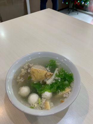 Foto 3 - Makanan di Bakmi Ahiung Khas Jambi oleh Isabella Chandra