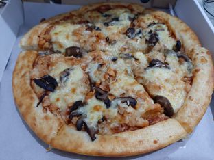 Foto 1 - Makanan di Pizza Romas & Coffee oleh @yoliechan_lie