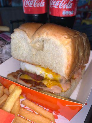 Foto 2 - Makanan di Smack Burger oleh Yepsa Yunika