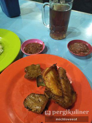 Foto 2 - Makanan di Nasi Uduk Bu Sum oleh Mich Love Eat