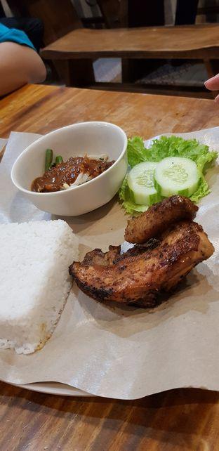 Foto 6 - Makanan di Ayam Kremes Bu Tjondro oleh Meri @kamuskenyang