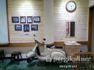Foto 5 - Interior di Kong Djie Coffee Belitung oleh Desy Mustika