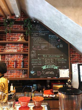 Foto 5 - Interior di Raffa Cafe & Coffee oleh kdsct