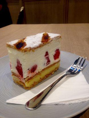 Foto 1 - Makanan(Napoleon Cake) di Bakerzin oleh Dianty Dwi