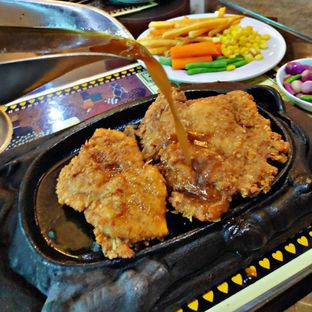 Foto review Gandy Steak House & Bakery oleh Nathania Kusuma 5