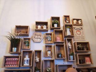 Foto 4 - Interior di Dimitree Coffee & Eatery oleh winda wijayanti