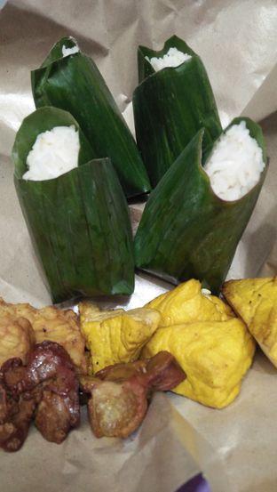 Foto 7 - Makanan di Nasi Uduk Kebon Kacang Puas Hati oleh Review Dika & Opik (@go2dika)
