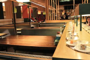 Foto 4 - Interior di Sushi Groove oleh Prido ZH