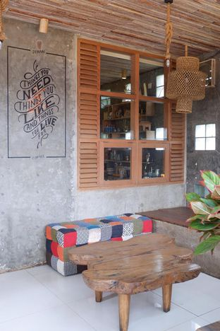Foto 9 - Interior di Jiwan Coffee & Things oleh yudistira ishak abrar