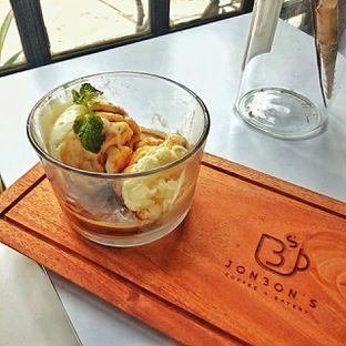 Foto 12 - Makanan(affogato) di Jonbon's Coffee & Eatery oleh duocicip