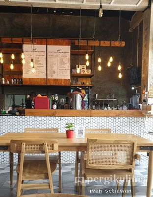 Foto review Monty's Kitchen & Coffee oleh Ivan Setiawan 4