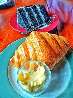 Foto 39 - Makanan di Convivium oleh duocicip