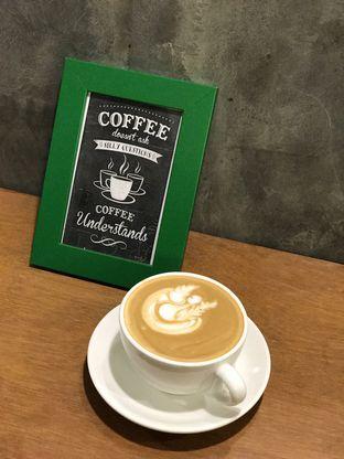 Foto 3 - Makanan(Hazelnut Latte) di 9 Cups Coffee oleh dk_chang