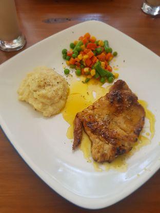 Foto 5 - Makanan(Grilled fish lemon sauce) di Gajua Kopi oleh Fika Sutanto