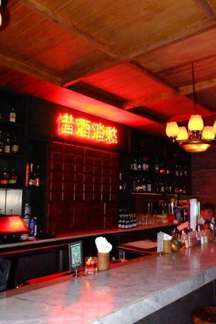 Foto 10 - Interior di Pao Pao Liquor Bar & Dim Sum oleh Wawa | IG : @foodwaw