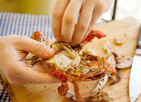 Cara Mudah Makan Kepiting