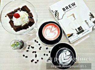 Foto - Makanan(black charcoal latte) di Koma Cafe oleh Depok Foodjournalss